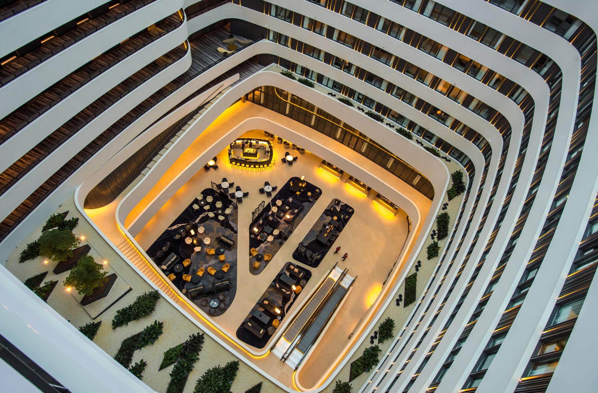 17 december opent het nieuwe Hilton