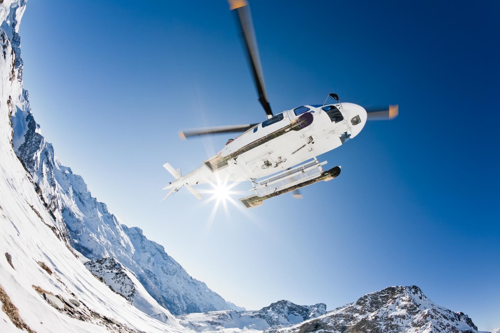 Extreme travel – heli skiing