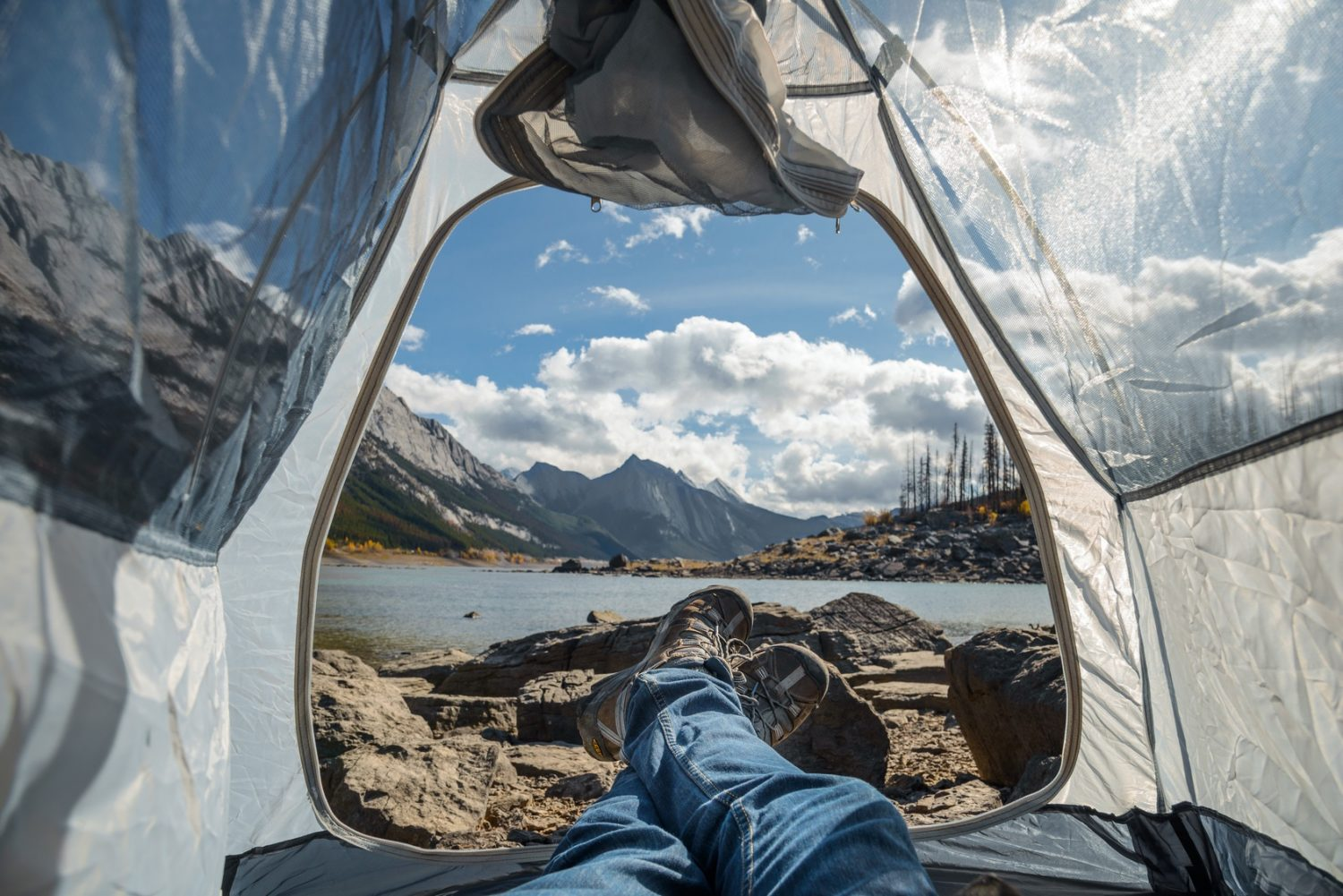 Sleeping al fresco travel trend