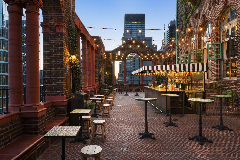 Pod 39 rooftop lounge in Manhattan