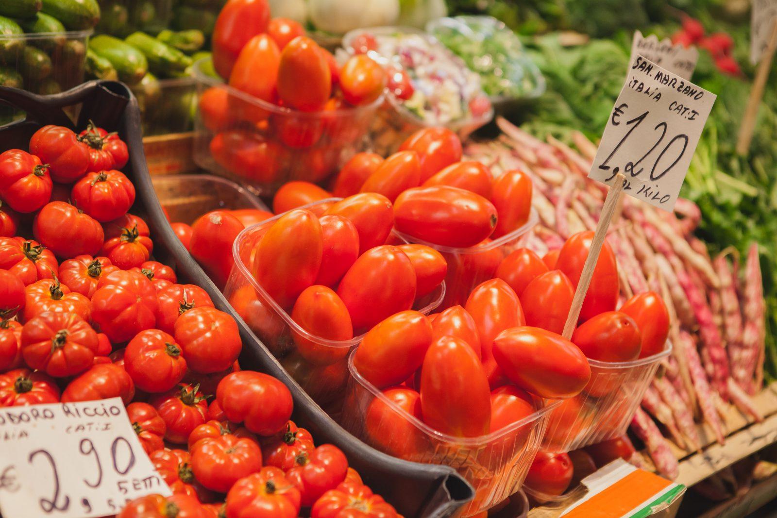 Vegan travel Italian market