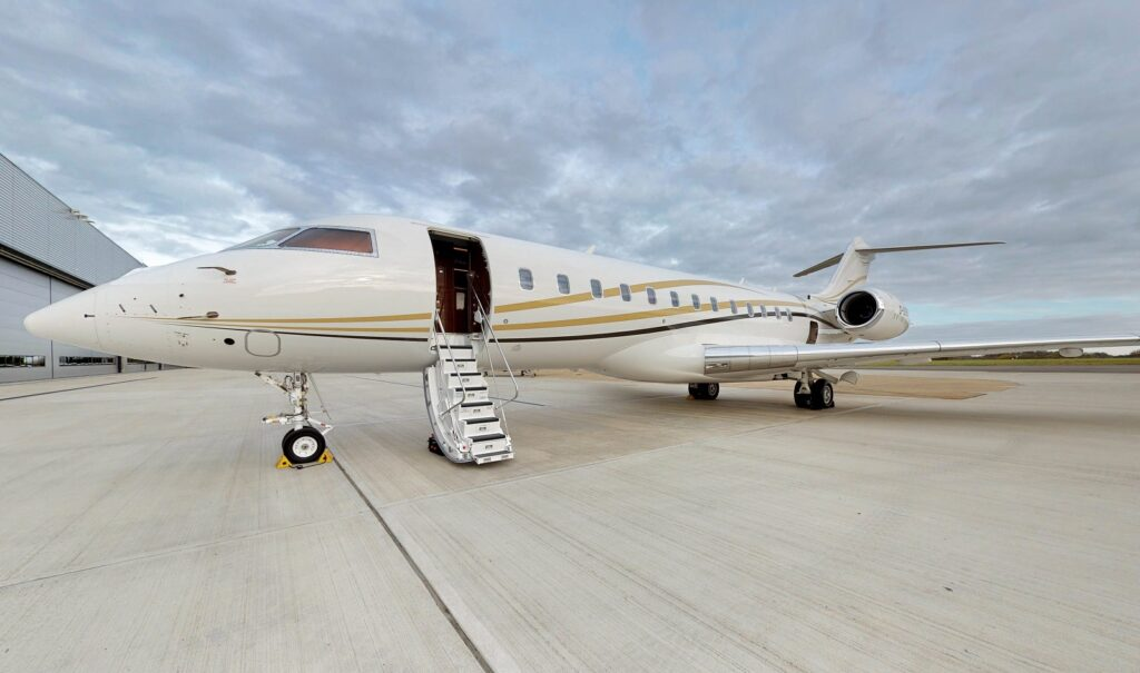 Global 6000 exterior, Dominvs Aviation