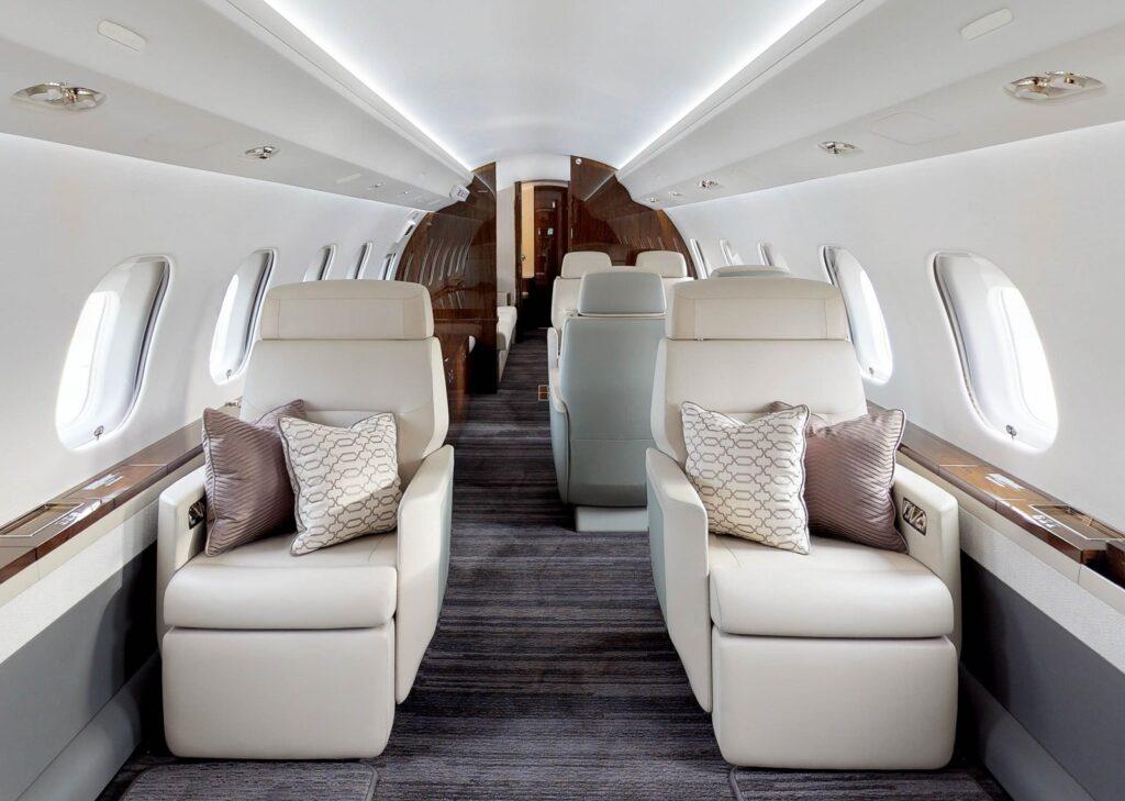 Global 6000 main cabin, Dominvs Aviation
