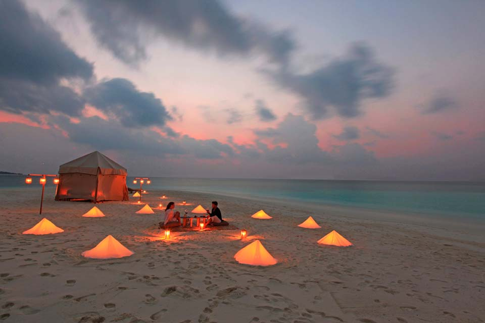 Soneva Fushi Private Dinner/ Picnic at SandBank