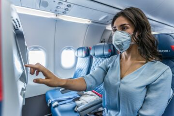 Delta passenger in mask