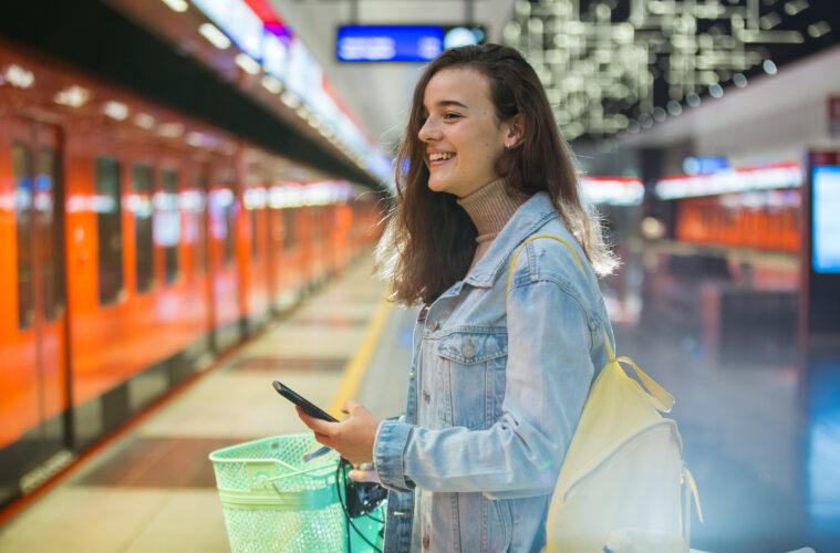 Finnish woman metro