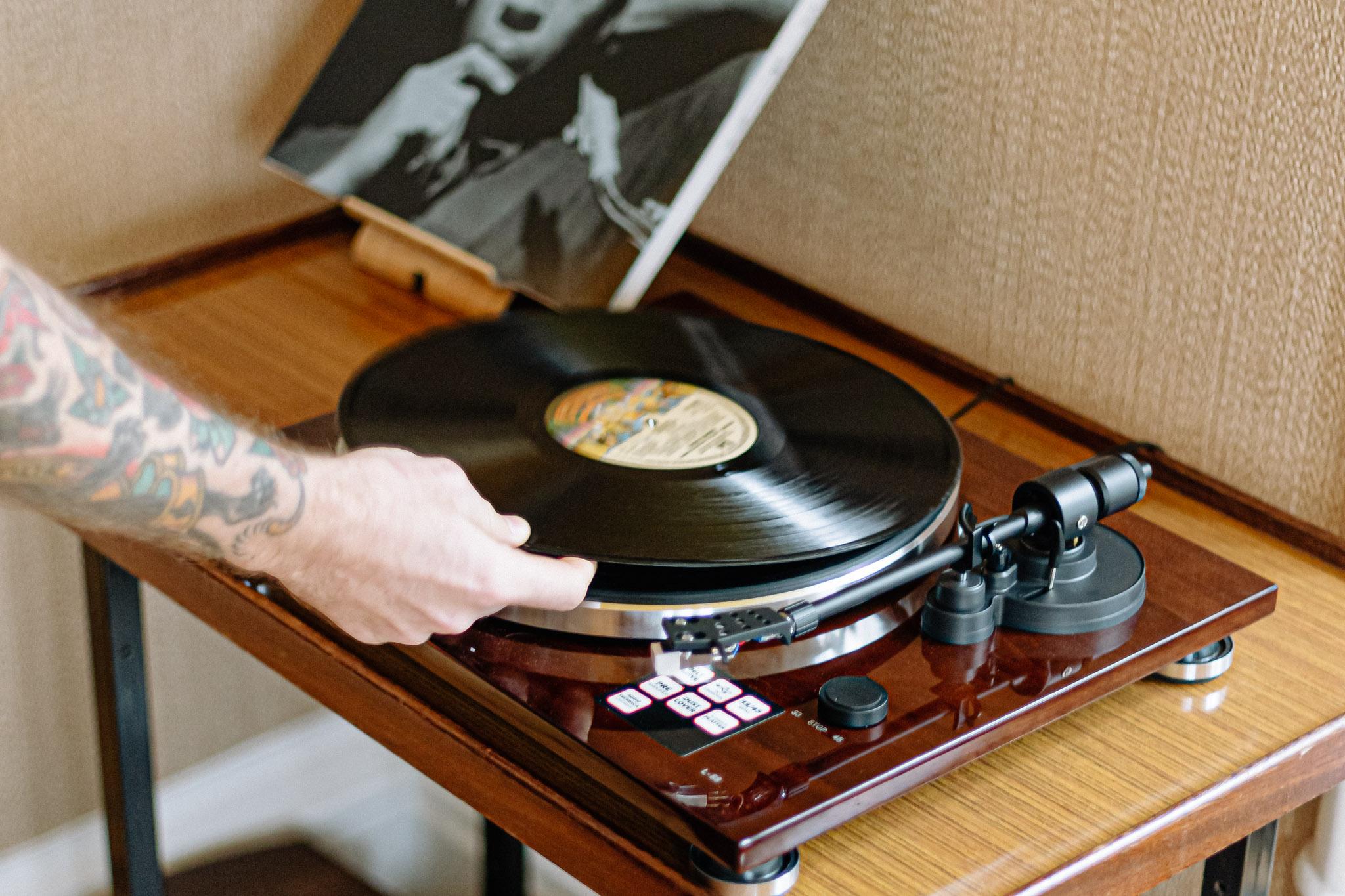 record_player_horizontal